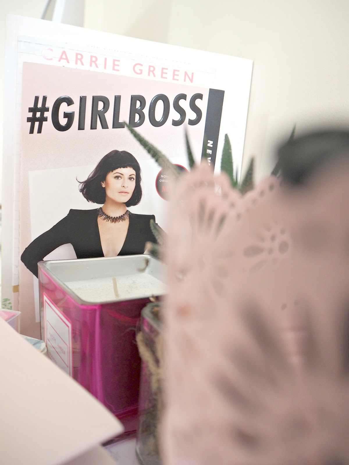 SOME NEW READING MATERIAL | #GIRLBOSS | Love, Maisie | www.lovemaisie.com