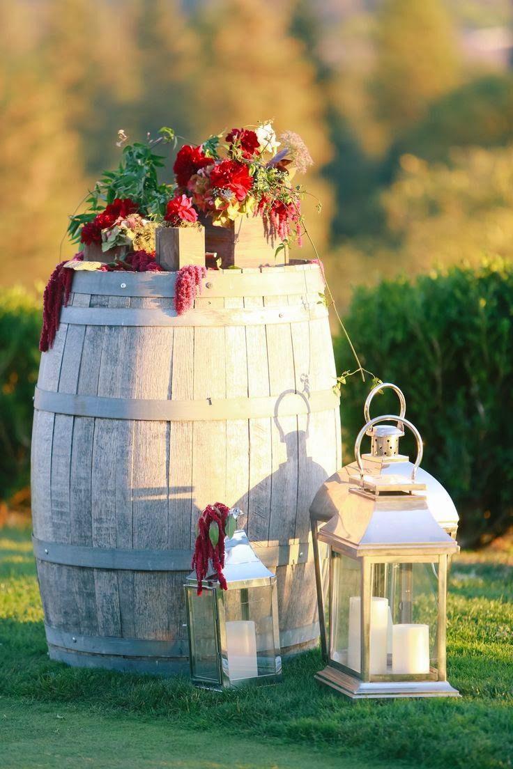 986032465b49c Icono Interiorismo  12 Ideas para decorar con barricas de vino