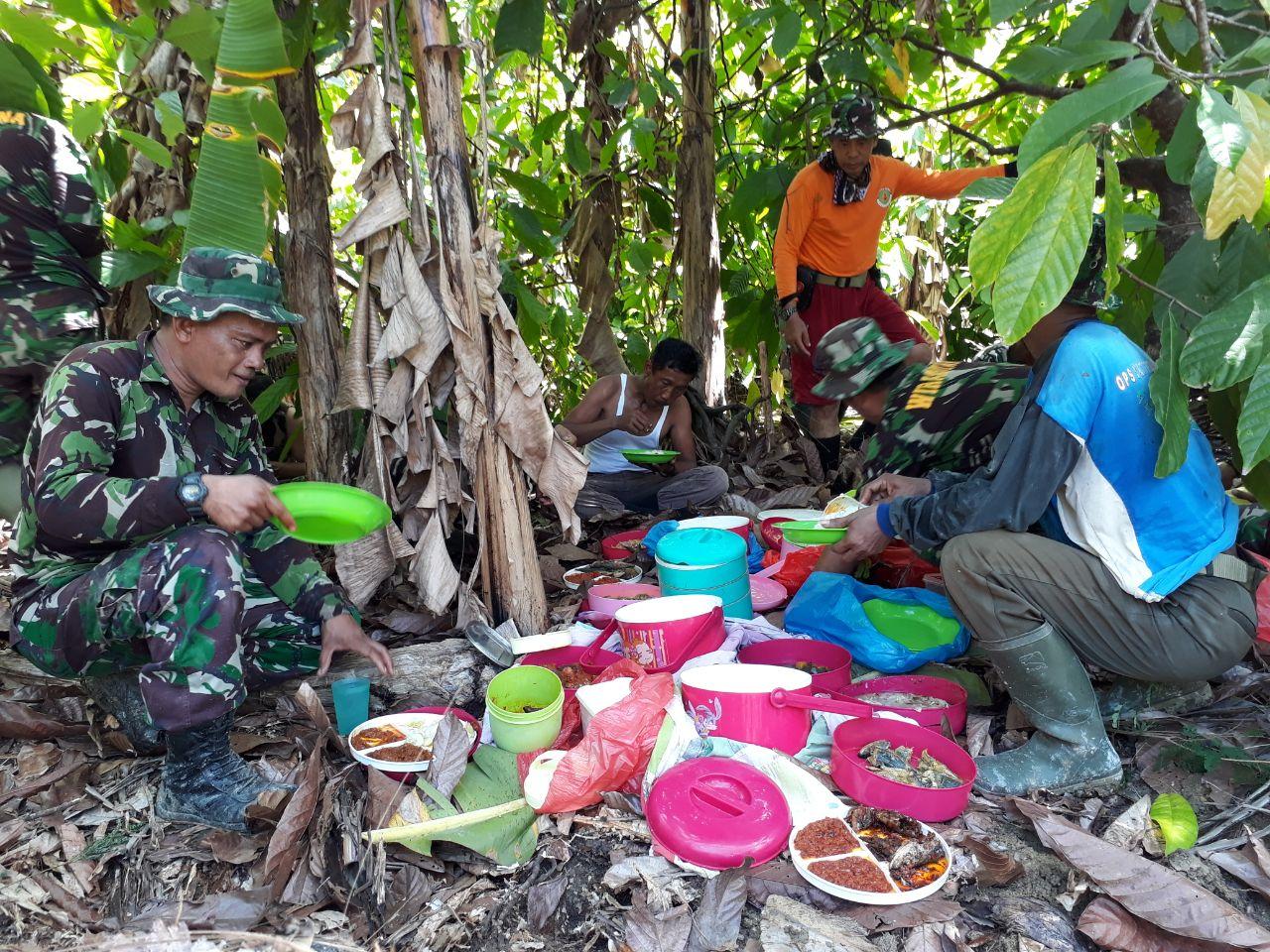 Terharu, Dandim 1407/Bone Mengapresiasi Kebersamaan dan Sinergitas Satgas Pra TMMD dengan Masyarakat