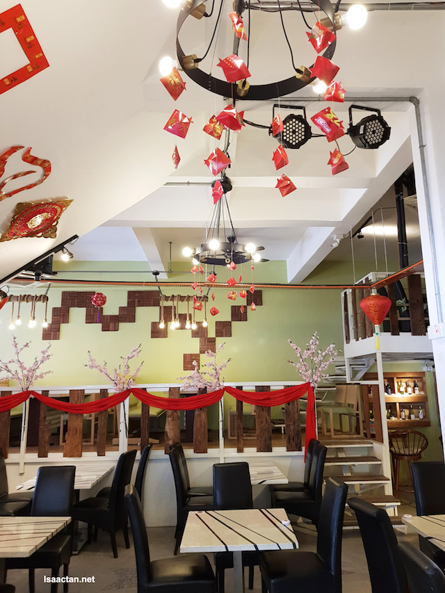 It was during CNY when we went to Finale Kitchen Bar, hence the CNY decor