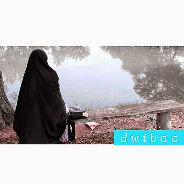 Cara Mempertahankan Hijab Syar'i di Lingkungan Kerja