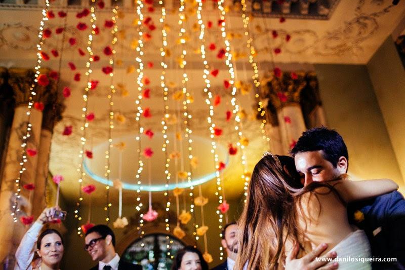festa - recepcao - noivos - decoracao - luzinhas - luzinhas casamento - primeira danca