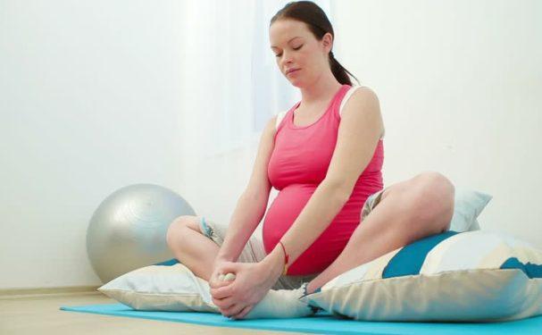Foto Olahraga Kehamilan, Solusi Tepat Mempermudah Proses Persalinan