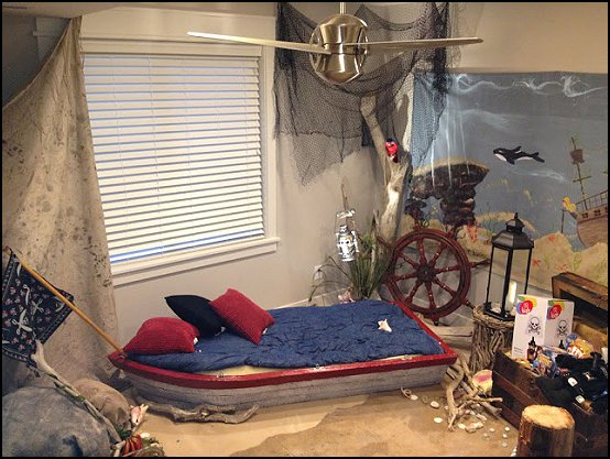 Maries Manor: Pirate Ship Beds