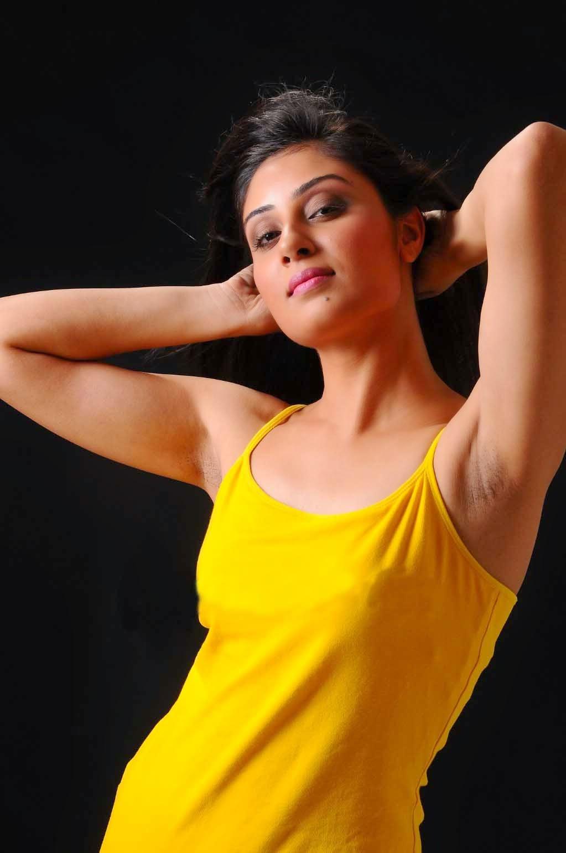 Akshara Haasan Cute Wallpapers Free Movie Wallpapers Bhanusree Mehra Hot Armpit Stills