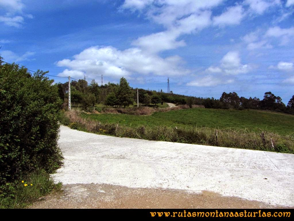 Senda Verde Camocha - Pico Sol - Piles: Inmediaciones del pico