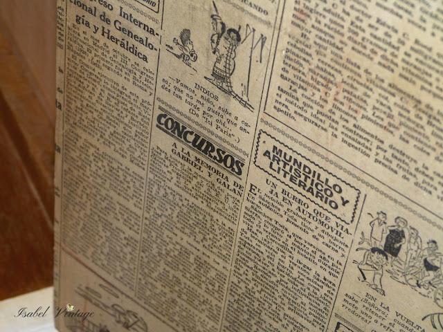 papel-periodico-antiguo-mesilla-noche