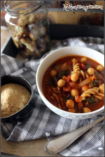 soupe de pois chiches aux épinards à la tomate