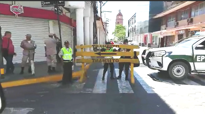 La Policía tomó la plaza principal de Santa Cruz y sus alrededores / RRSS