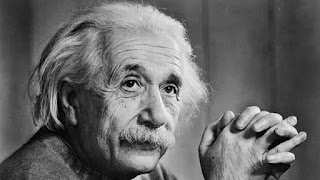 Albert Einstein Kimdir? Einstein'ın Hayatı ve Bilimsel Çalışmaları