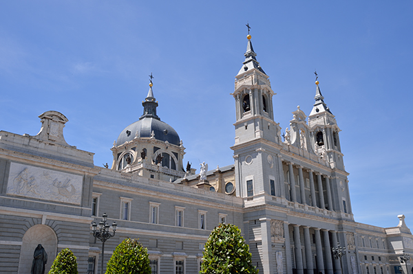 almudena catedral cathedral madrid