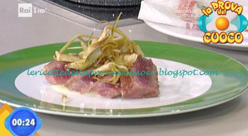 Tagliata su fonduta di gruyere ricetta Improta da Prova del Cuoco