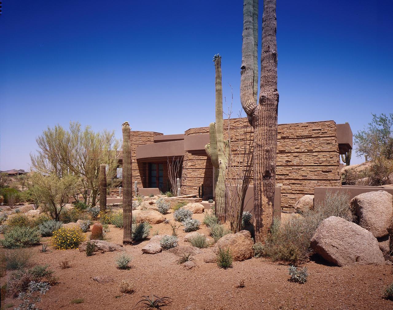 Modern Desert House For Luxury Life In The Nature