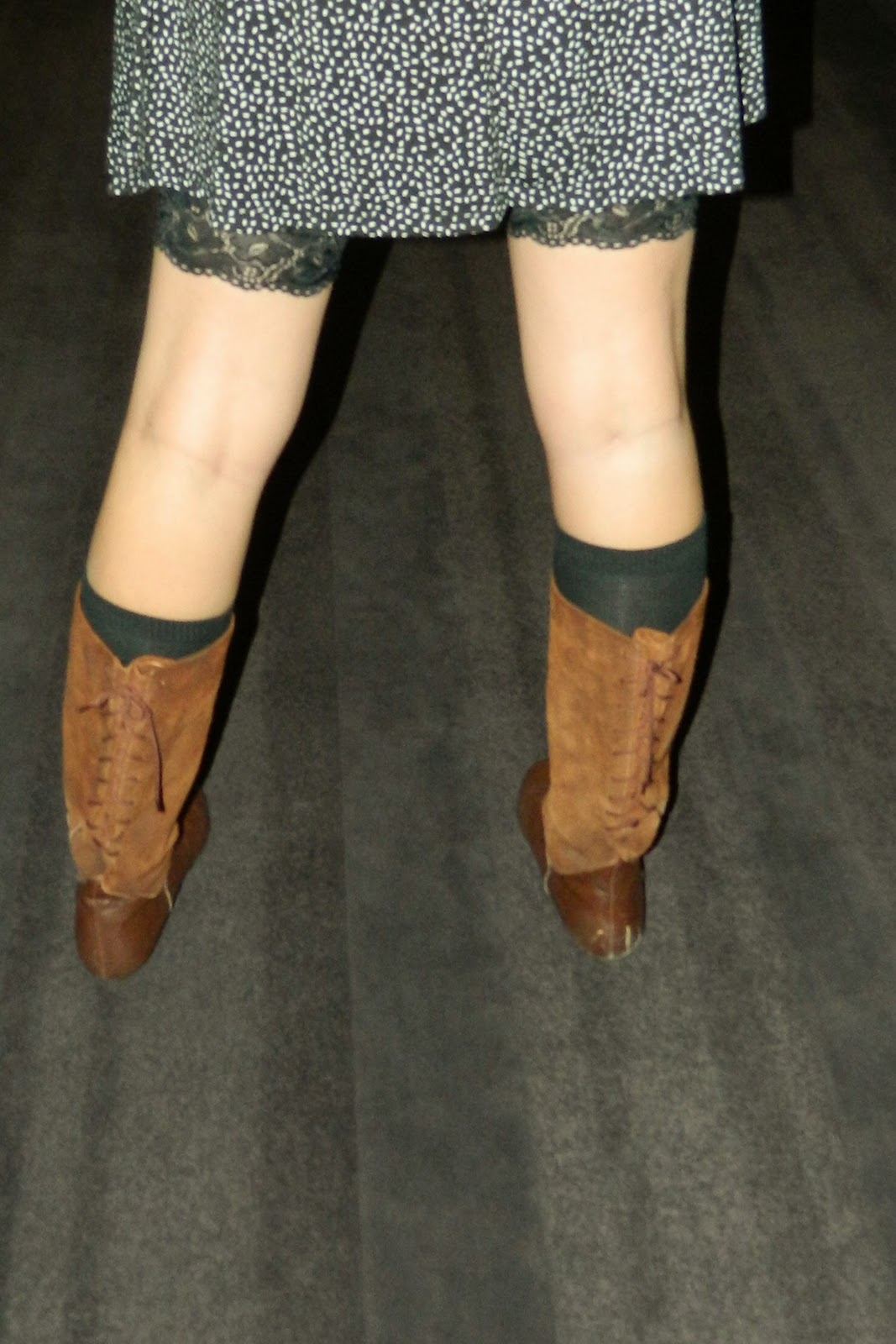 brown boots, lace up boots