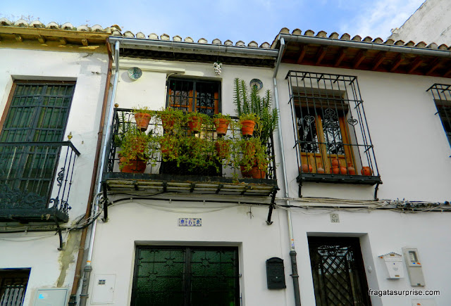 Granada, Andaluzia: fachada no bairro mouro do Albaicín
