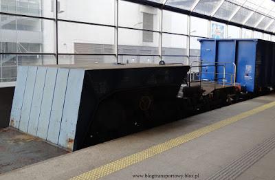 Wagon specjalny platforma serii Uaai