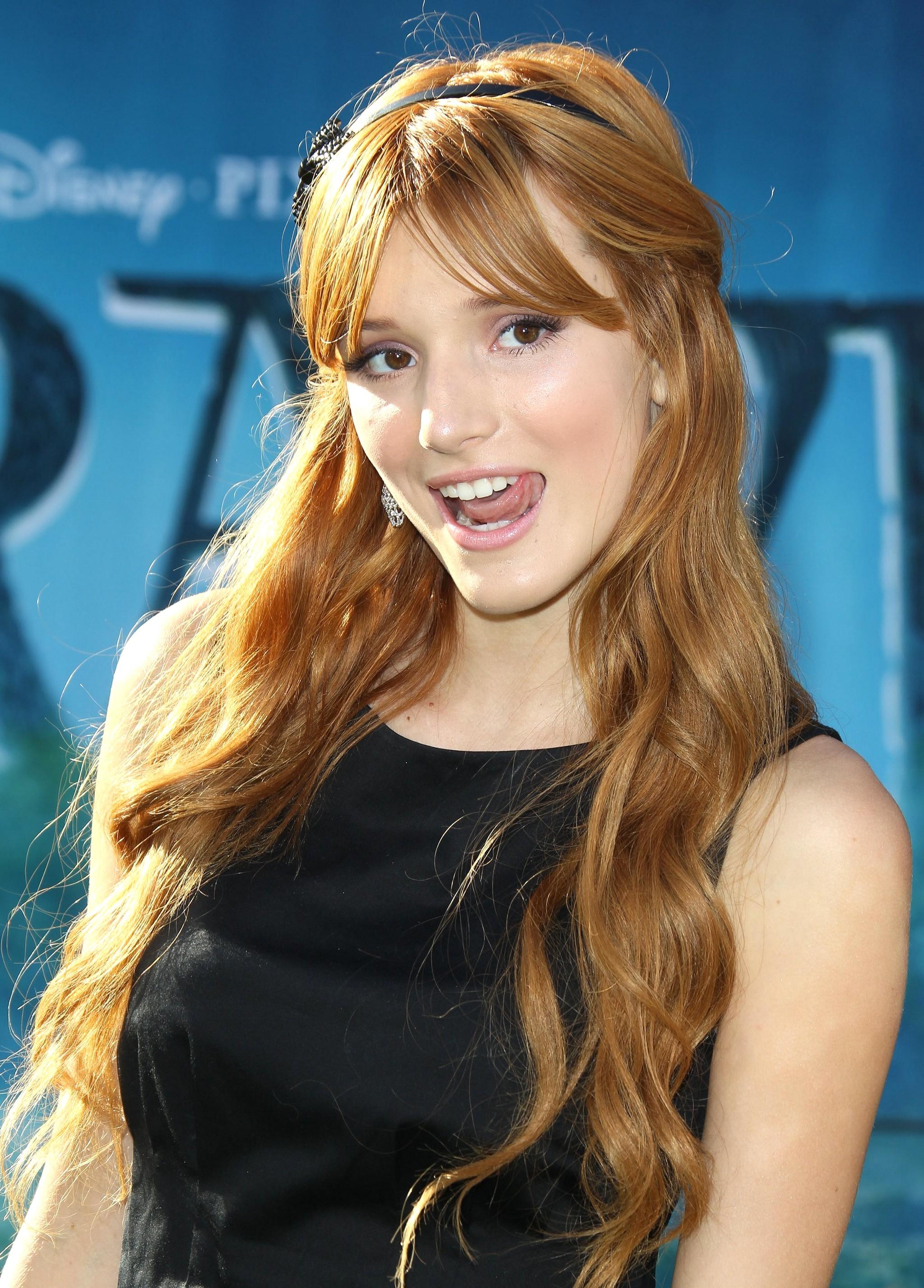 Bella Thorne pictures gallery (32) | Film Actresses