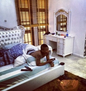 news update: Wizkid got quit notice at his Lekki Phase 1  to quite the house.