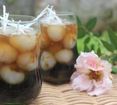 Chè sen nhãn dừa