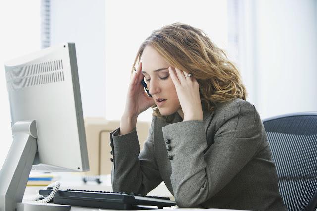 Mudah Stress Saat Kerja? Mari Akhiri Gejala Ini
