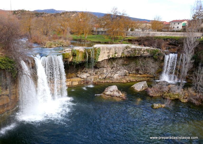 Cascadas en pueblo de Burgos