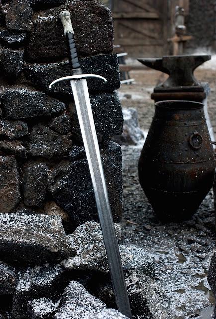 Longclaw valyrian sword