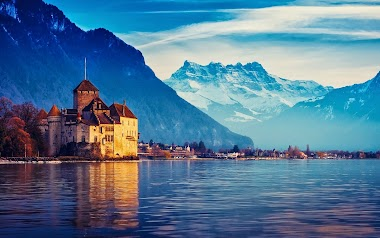 Travel in Switzerland among Castles and Lakes