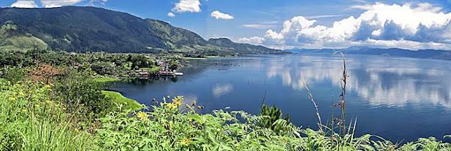 foto pemandangan danau toba