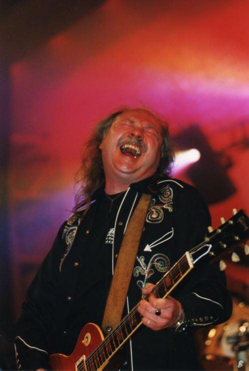 BUDGIE: Απεβίωσε ο πρώην κιθαρίστας της μπάντας John Thomas