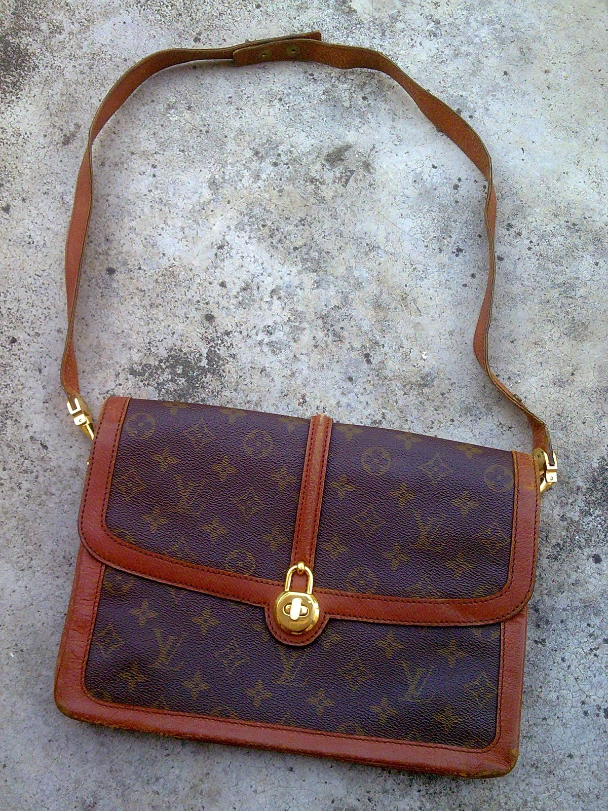 d0rayakeebag authentic louis vuitton vtg monogram raspail shoulder bag. Black Bedroom Furniture Sets. Home Design Ideas