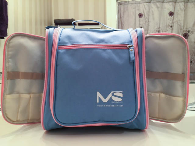 MelodySusie® Hanging Waterproof Toiletry Bag