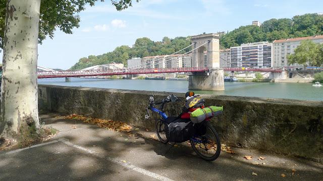 De Paris à Narbonne en vélo, près de Lyon