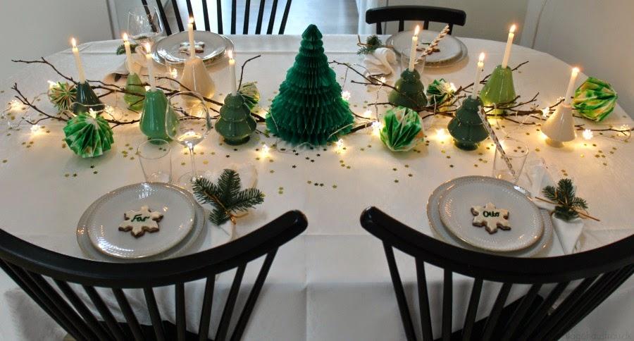 Ungdommelige Inspiration til julens borddækning – The Vintage Hausfrau SS48