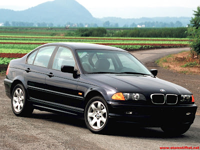 Spesifikasi Lengkap Mobil BMW 318i