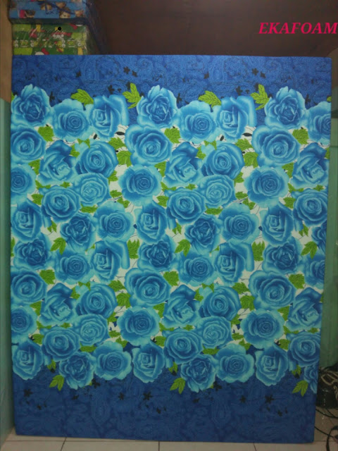 kasur inoac motif bunga biru