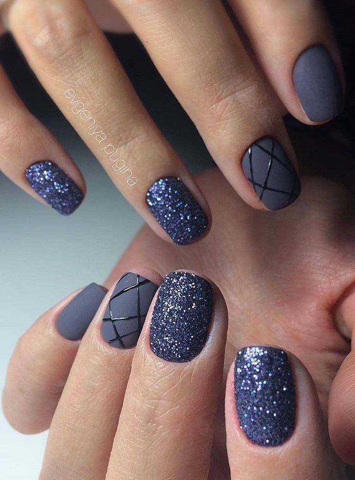 dark blue nail design idea