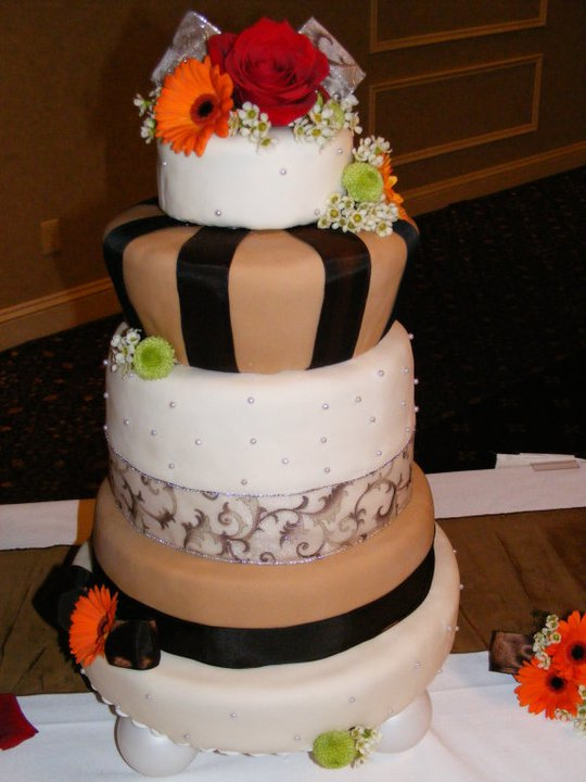 crazy wedding cakes cakes wedding cakes 13044