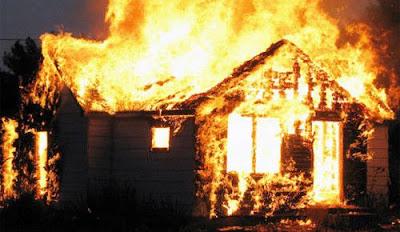 mơ thấy lửa cháy nhà