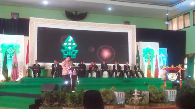 Menteri Agama Lukman Hakim Saifuddin saat meresmikan fakultas baru di UIN Walisongo Semarang