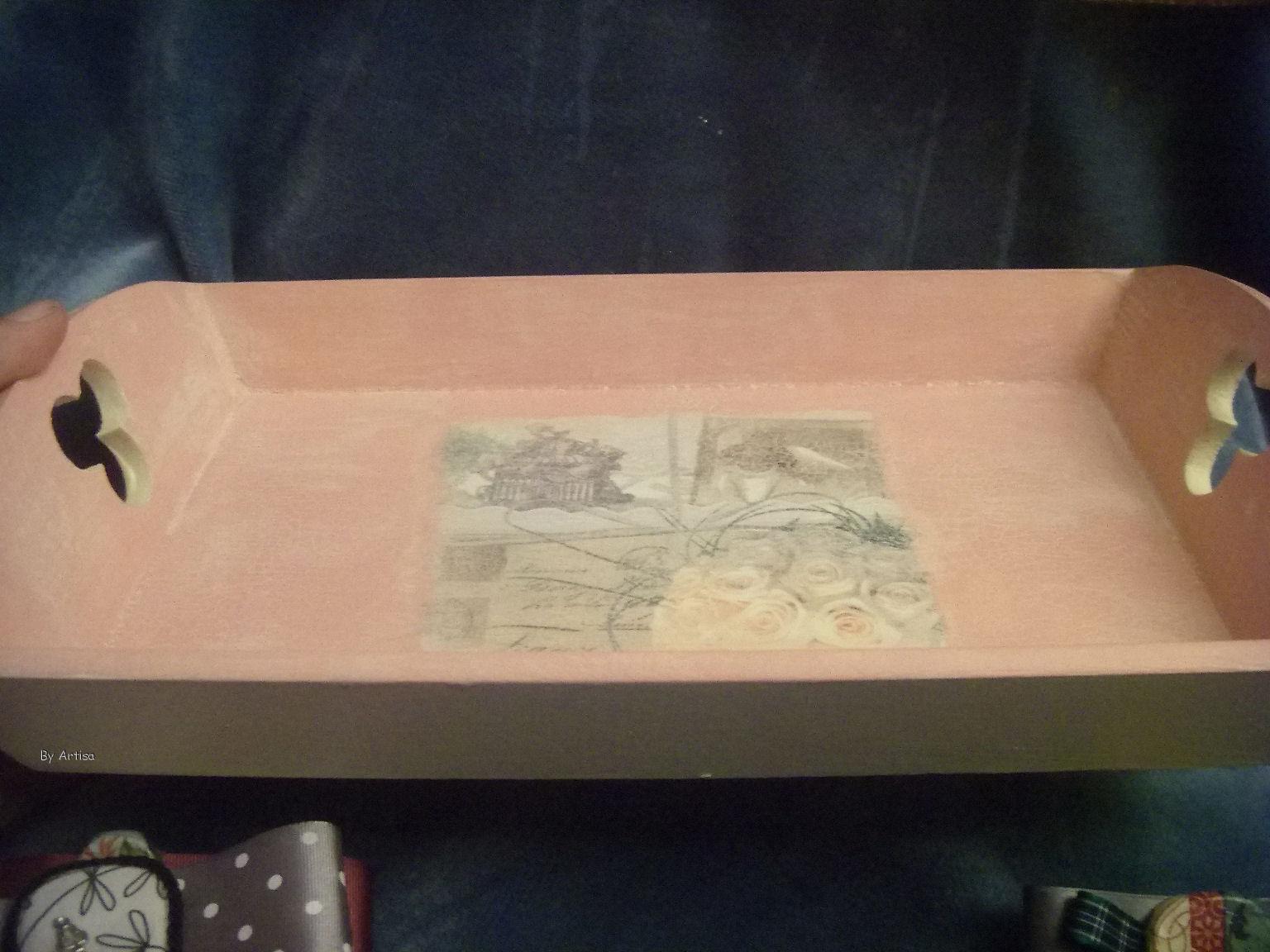 Un poquito de todo bandeja de madera decorada for Bandejas de madera decoradas