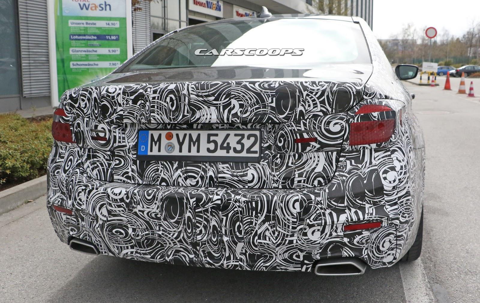 2018-BMW-5-Series-8Sedan.jpg