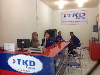 Cabang TKD Express Padang.