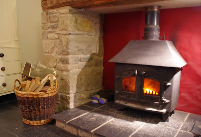 Beudy Mawr Cottage Snowdonia Fireplace