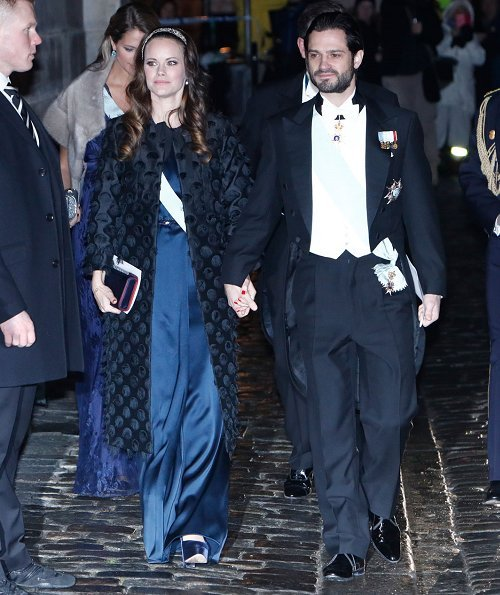 Queen Silvia, Princess Victoria, Prince Daniel, Prince Carl Philip, Princess Sofia, Princess Madeleine and O'Neill
