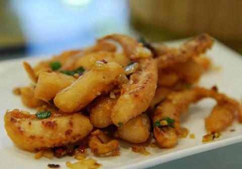 Spicy garlicky squid