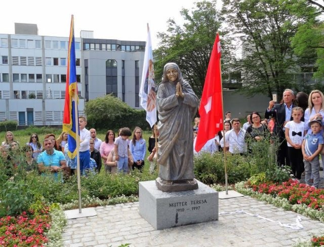 Mother Teresa statue in Switzerland