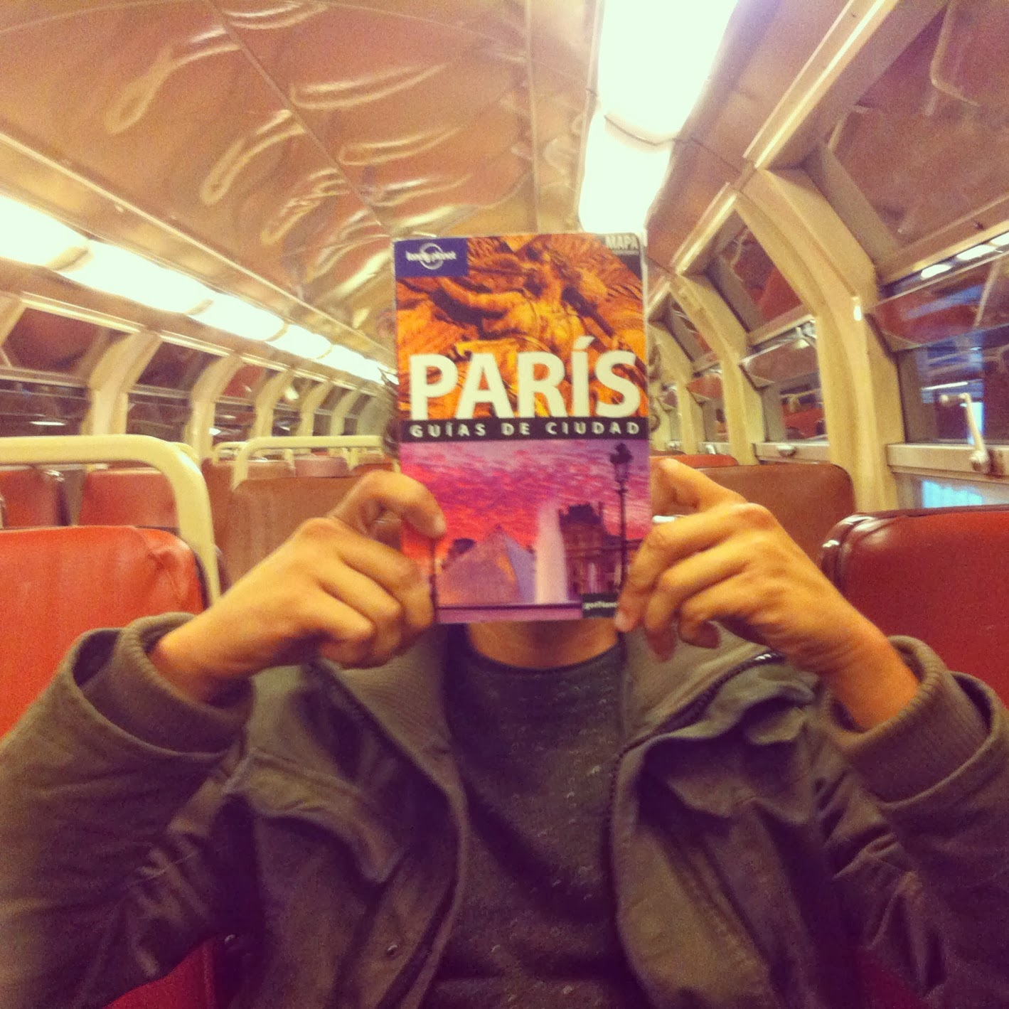 Lonely Planet de Paris en el Metro