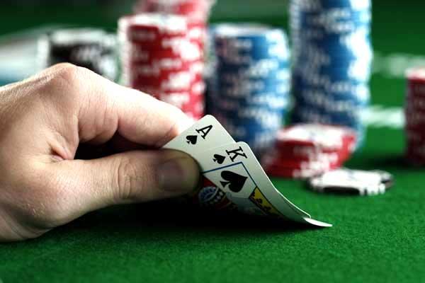 Trik Bermain Poker yang Benar