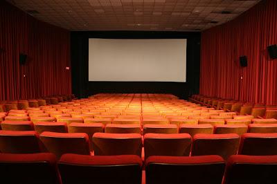 סוכות בקולנוע: במה צופים ובמה לא?
