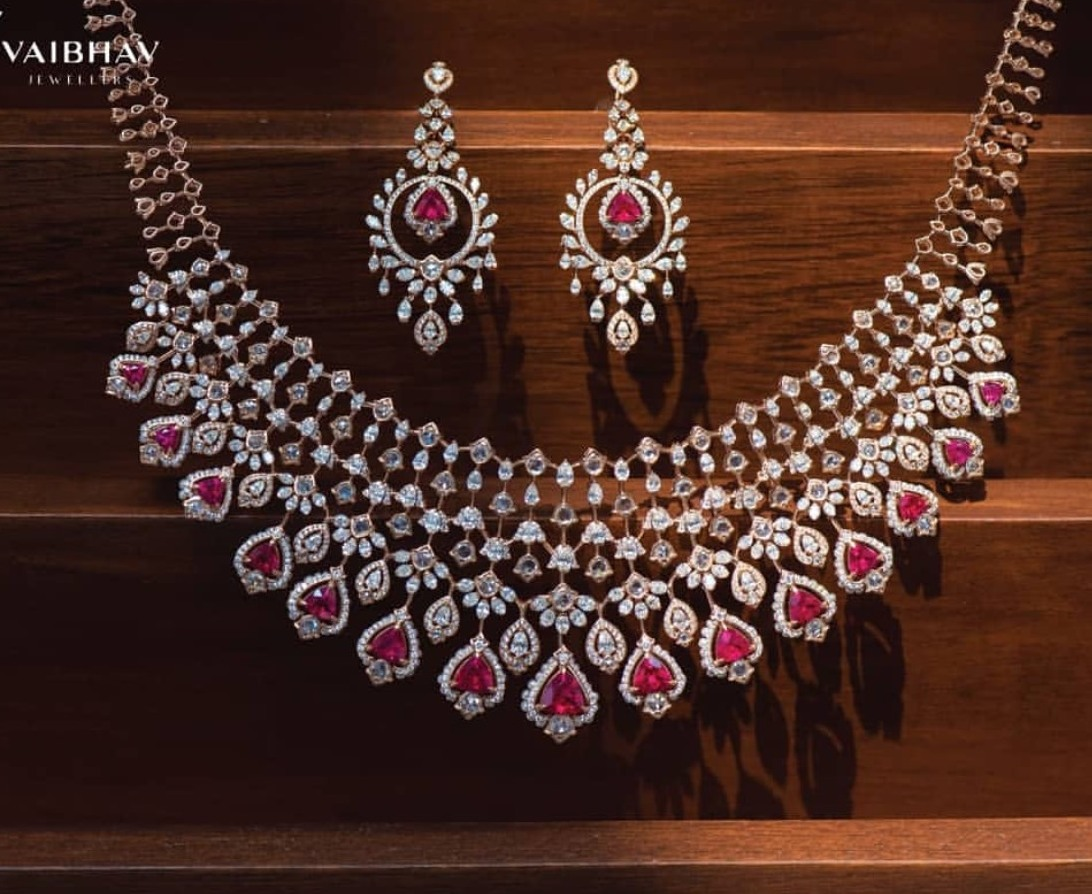 efd143977e6e1 Pretty Diamond Sets by Vaibhav Jewellers - Jewellery Designs